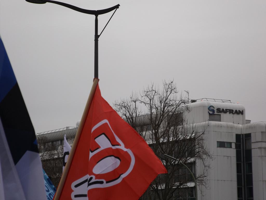 drapeaux_FO_Métaux_siège_SAFRAN